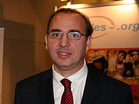 Dr. Roberto Amón Jadue