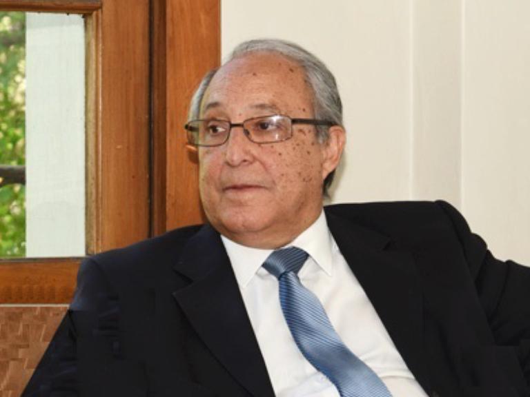 Dr. Gastón Zamora Álvarez