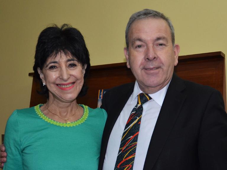 Dra. María Cecilia Abuauad y Sr. Eduardo Barra