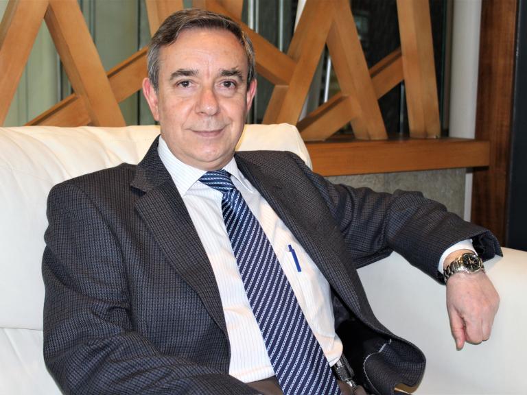 Dr. Mario Calvo Gil