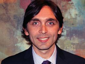 Dr. Mauricio Pérez Velásquez