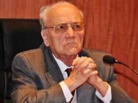 Dr. Fernando Oyarzún Peña