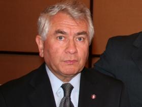 Dr. Enrique Paris Mancilla