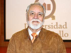 Dr. Eduardo Bastías Guzmán