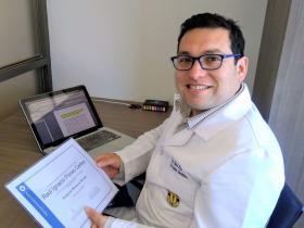Dr. Raúl Flores Cartes